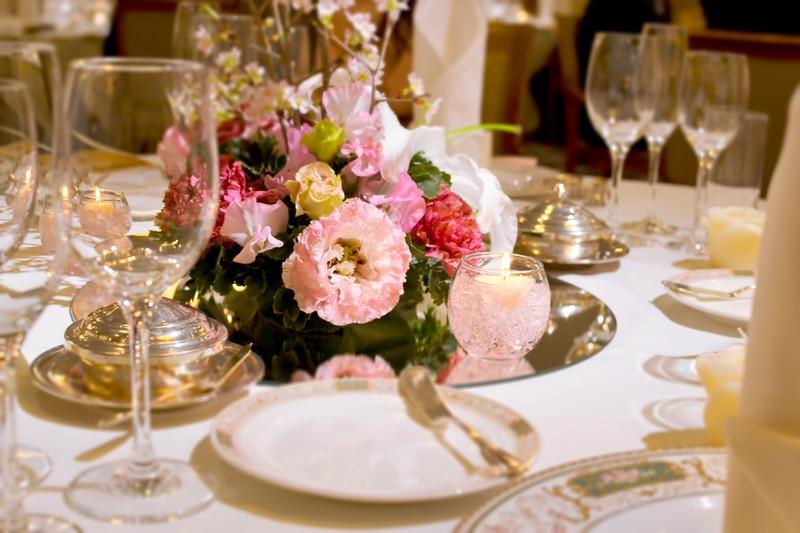 結婚式でゲストを楽しませるオープニングムービーの5つのアイデア